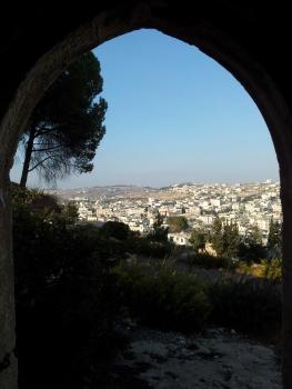 Panorama auf Betlehem aus einer alten Ruine heraus.