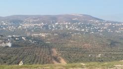 Rechts auf dem Berghang stand einmal die Siedlung Chomesh