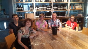 Familie Anz und ich in der Weinkellerei Gush Etzion
