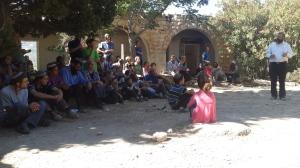 Morgenversammlung in Ssanur.