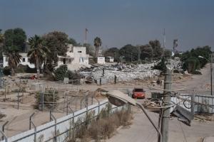 Die Zerstörung der Ortschaften in Gush Katif durch die israelische Armee, nach Ausweisung der jüdischen Bewohner, August 2005. Quelle: Gush Katif Museum