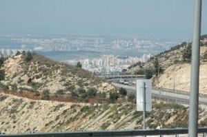Autobahn 443 Richtung Landeszentrum. Quelle: mcity.co.il / Menachem Bentov