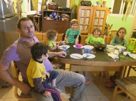 Etzion David aus Amona. Lebt mit Ehefrau Shira und 6 Kindern seit 1996 in der Siedlung. Foto: Niv Aharonson, Walla